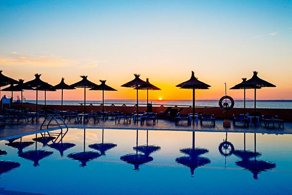 H tel thb sur mallorca colonia sant jordi voyage pas cher for Hotel design majorque