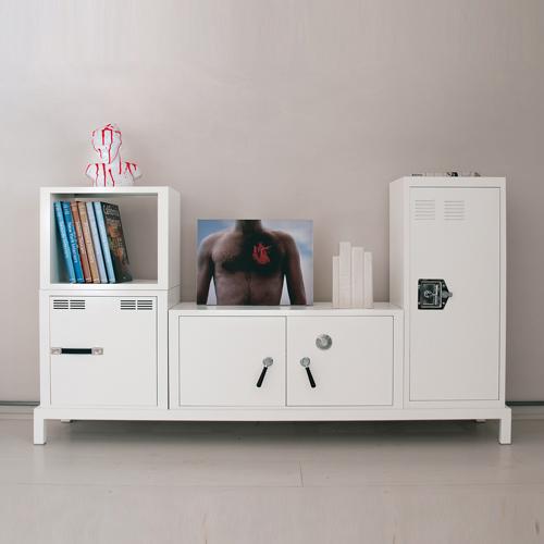 decoclico meuble de rangement en m tal blanc stack seletti ventes pas. Black Bedroom Furniture Sets. Home Design Ideas