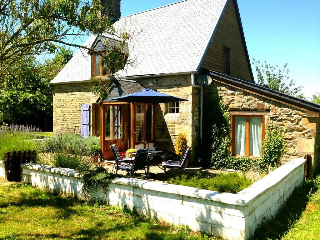 Abritel Location Brécey en Normandie - Superbe cottage romantique dans un verger