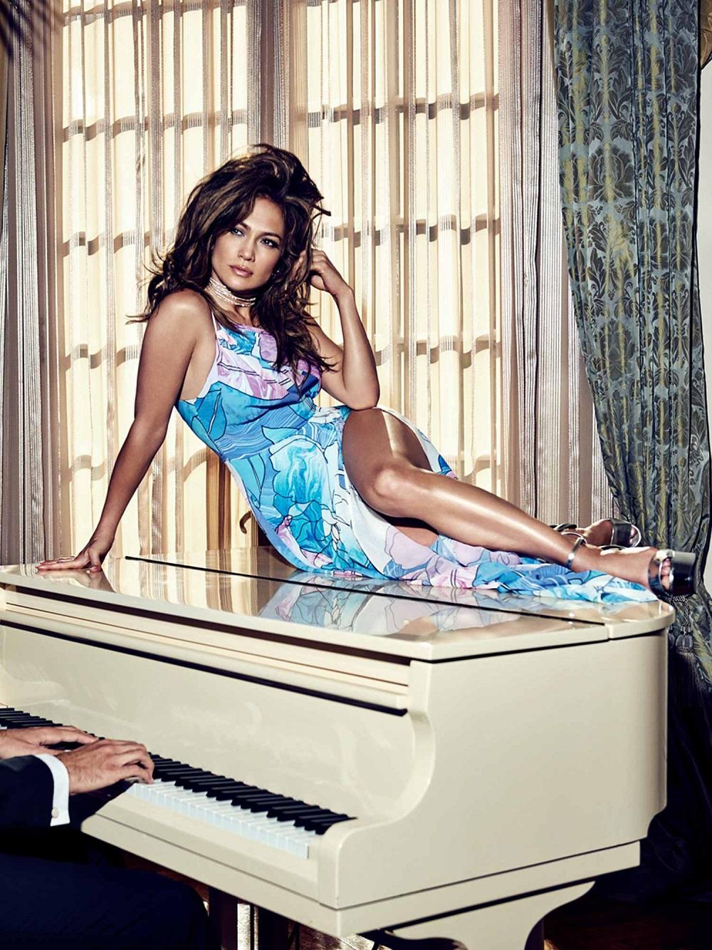 ROBE LONGUE FLEURS MARCIANO Jennifer Lopez Guess