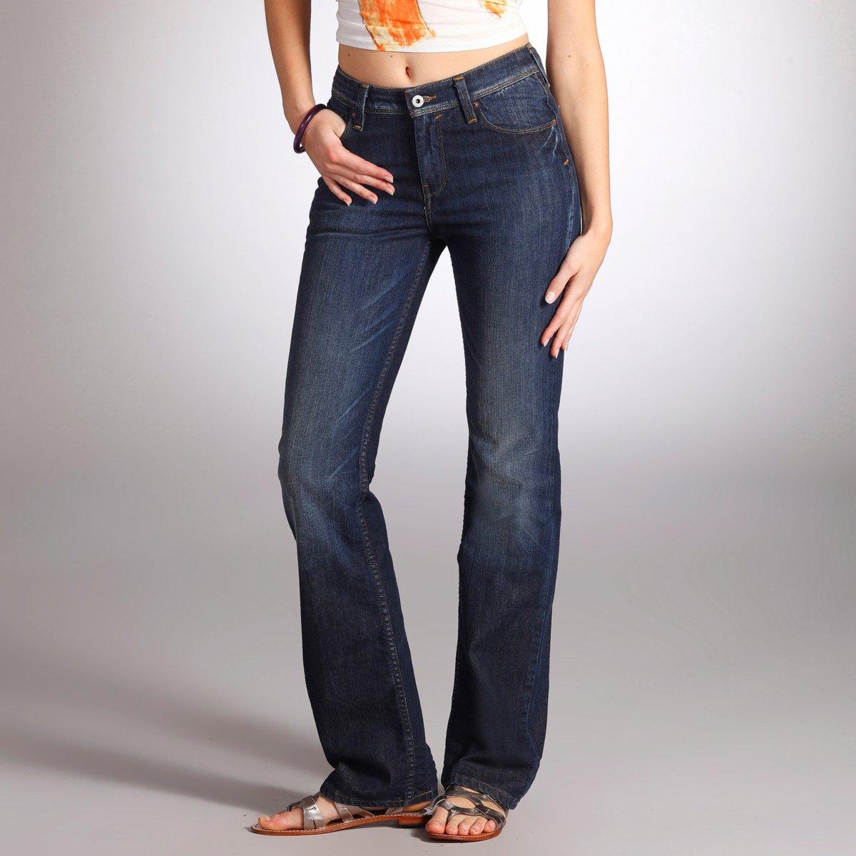 jean levi 39 s femme les aubaines jean 627 droit taille descendue long 32 prix 34 00 euros. Black Bedroom Furniture Sets. Home Design Ideas