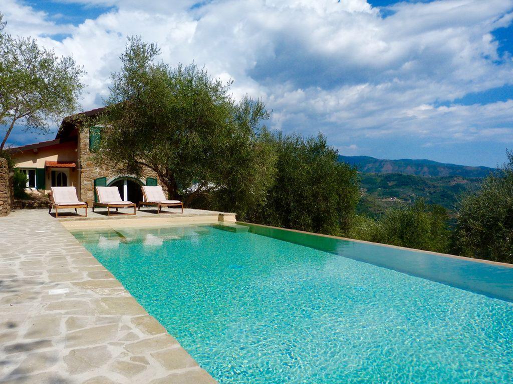 Abritel Location Dolceacqua Italie - Élégant cottage dans une colline exposée avec piscine
