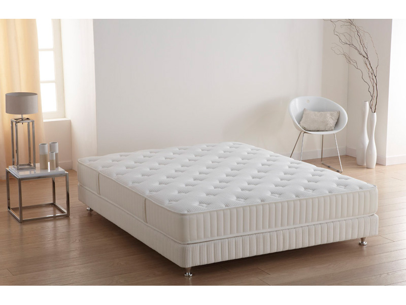 matelas usinedeco promo matelas simmons proline 140x190 22cm prix 419 00 euros ventes pas. Black Bedroom Furniture Sets. Home Design Ideas