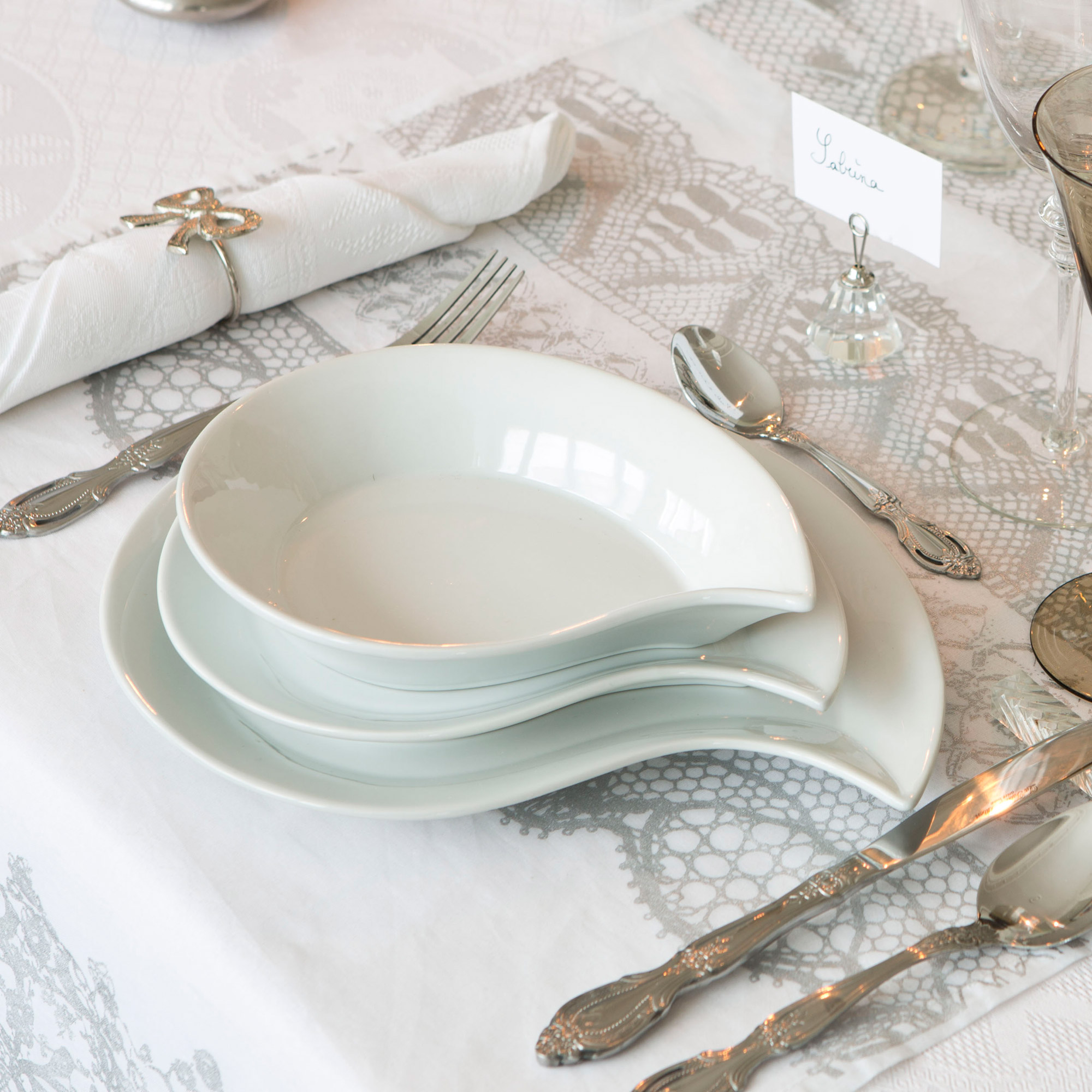 Service De Table 12 Pieces En Porcelaine Blanc Virgule Lola Mia
