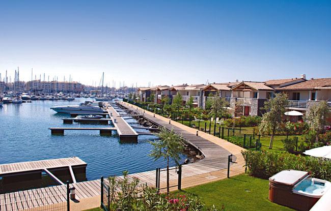 location villa voyages loisirs le cap d 39 agde l 39 le saint martin prix 908 00 euros ventes pas. Black Bedroom Furniture Sets. Home Design Ideas