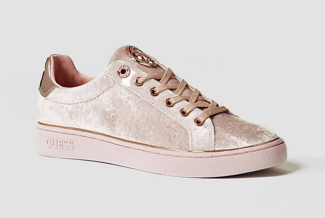 GUESS SNEAKERS BRAYZA VELOURS Baskets Basses Rose