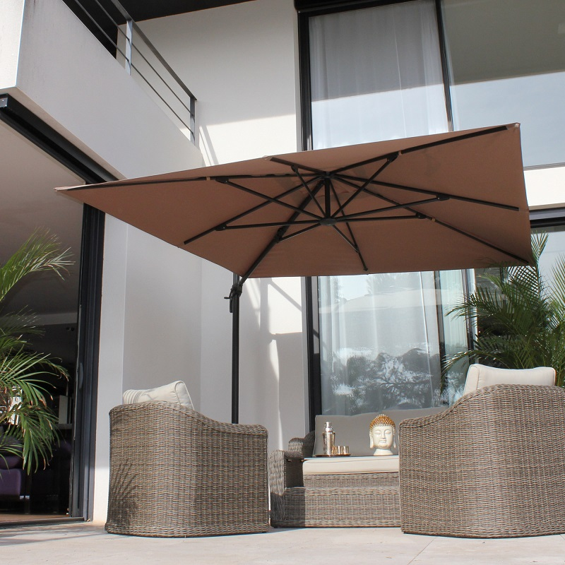 parasol d port taupe romeo couleurs du monde parasol delamaison ventes pas. Black Bedroom Furniture Sets. Home Design Ideas