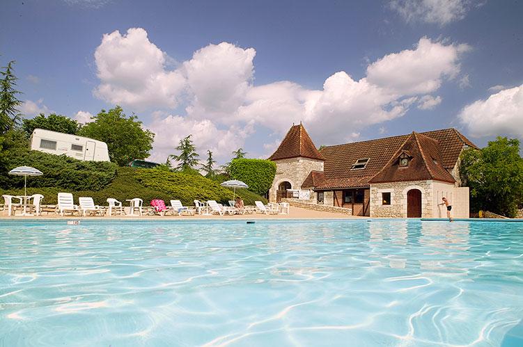 Camping Castel Domaine de la Paille Basse 5* à Souillac