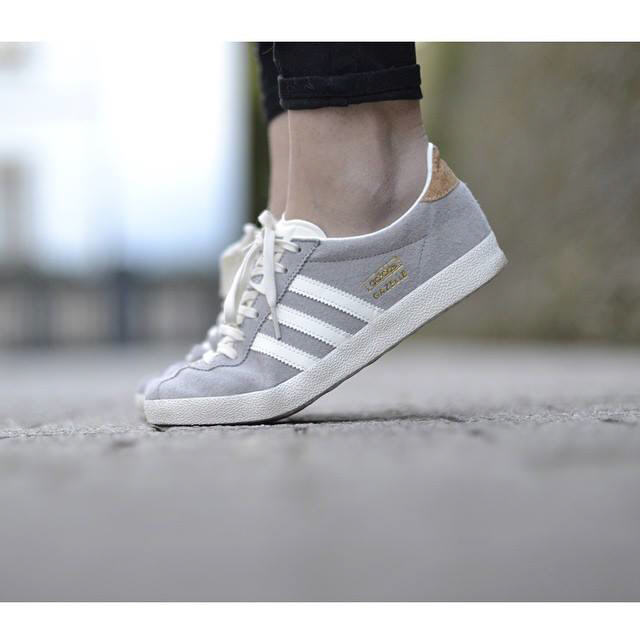 Adidas Originals GAZELLE Baskets basses solid greyoff white