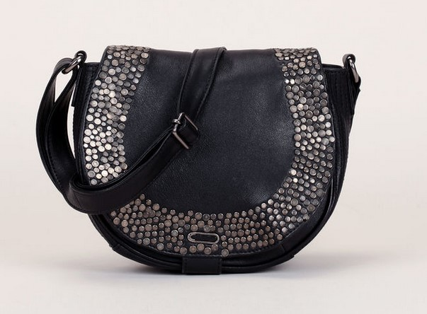 Ikks women Besace en cuir noir clous argentés sur rabat - Sacs Monshowroom