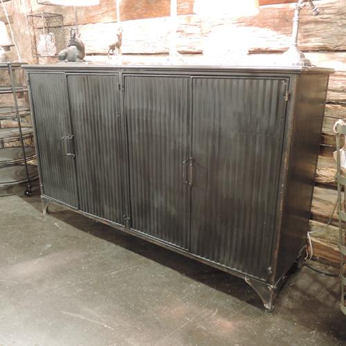 buffet en m tal noir home chehoma buffet decoclico ventes pas. Black Bedroom Furniture Sets. Home Design Ideas