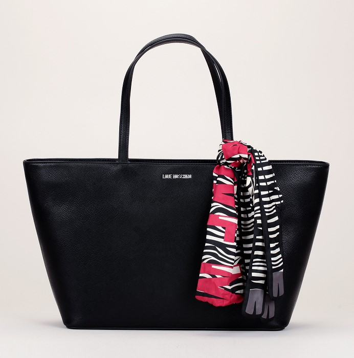 Cabas noir texturé Love Moschino avec foulard écru imprimé