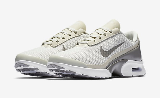 Nike Air Max Jewell Baskets Basses pas cher Baskets Femme