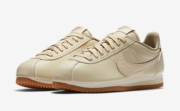 nike classic cortez leather lux pas cher baskets femme nike ventes pas. Black Bedroom Furniture Sets. Home Design Ideas
