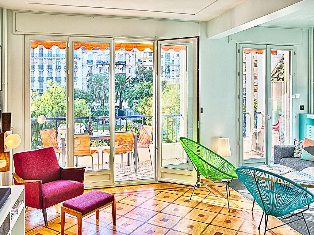 abritel location grand studio avec terrasse ensoleille ventes pas. Black Bedroom Furniture Sets. Home Design Ideas