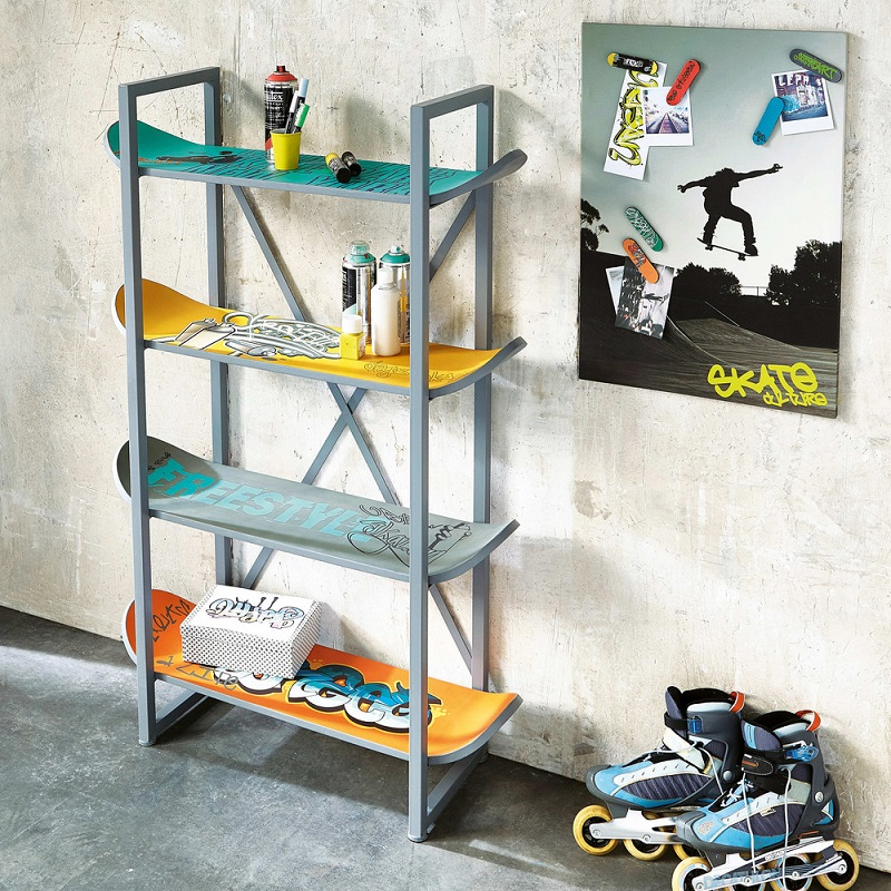 tag re 4 skates freestyle en m tal multicolore tag re. Black Bedroom Furniture Sets. Home Design Ideas