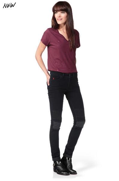jean noir slim houria bleu i code by ikks jeans femme ikks monshowroom ventes pas. Black Bedroom Furniture Sets. Home Design Ideas
