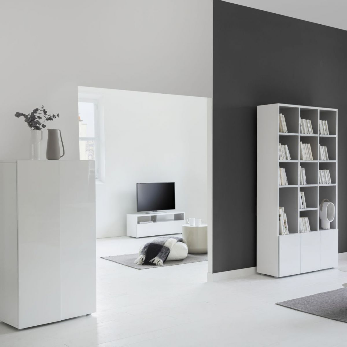 kubrik buffet haut blanc laqu habitat soldes buffet. Black Bedroom Furniture Sets. Home Design Ideas