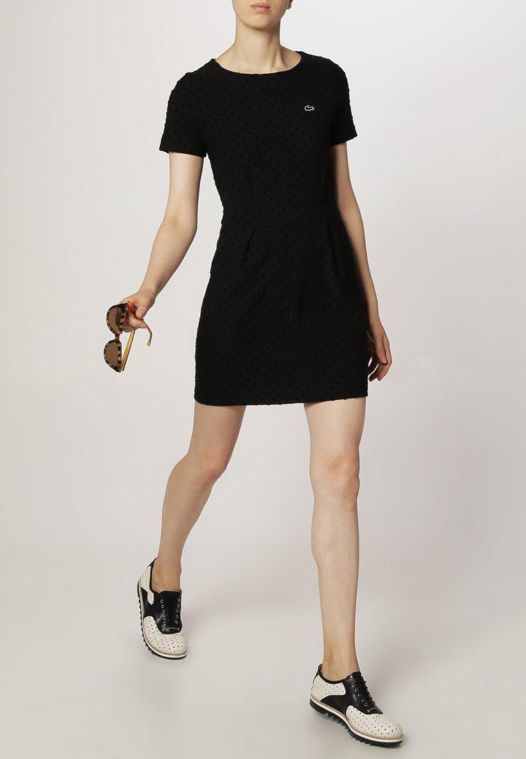 lacoste live robe d 39 t noir robe lacoste zalando ventes pas. Black Bedroom Furniture Sets. Home Design Ideas