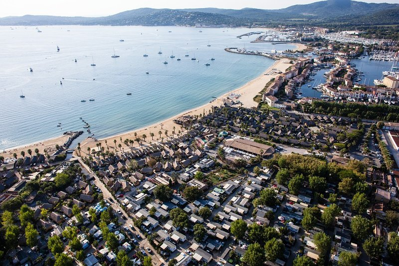 Camping port grimaud opodo camping les prairies de la mer 5 ventes pas - Port grimaud prairies de la mer ...