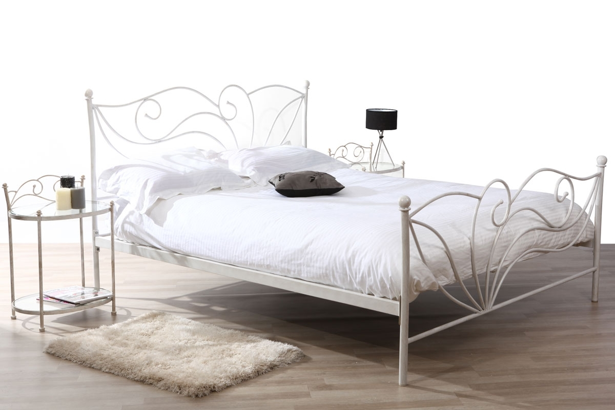 lit pas cher miliboo lit 160x200 baroque blanc venezia ventes pas. Black Bedroom Furniture Sets. Home Design Ideas