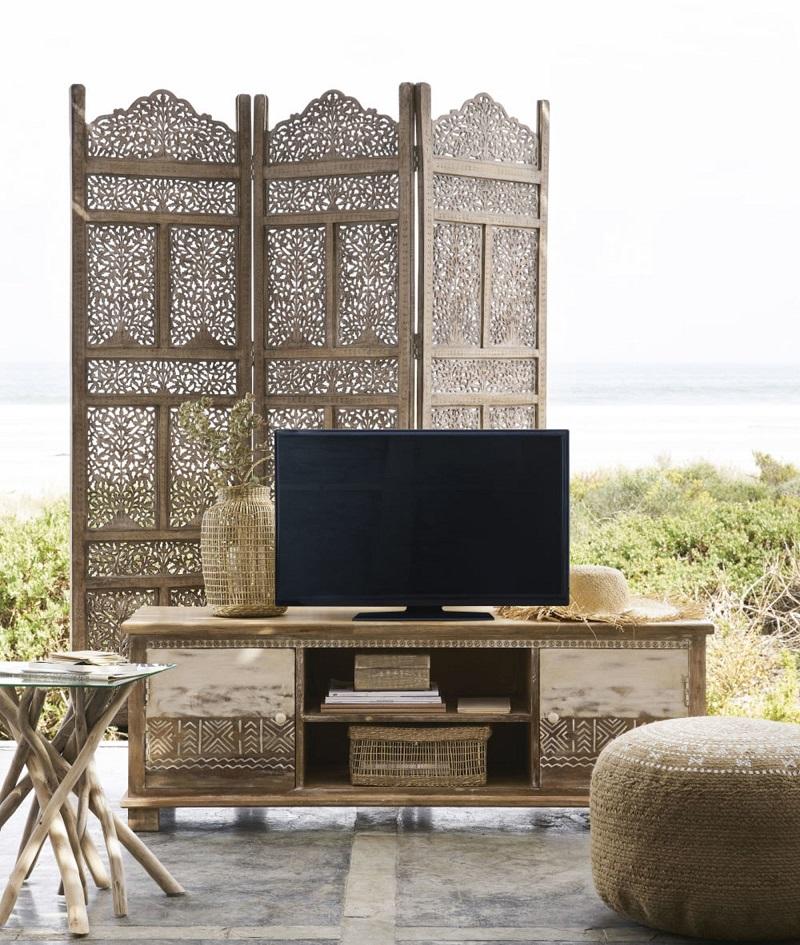 Meuble TV 2 portes Caraiba en manguier massif motifs blancs - Maisons du Monde