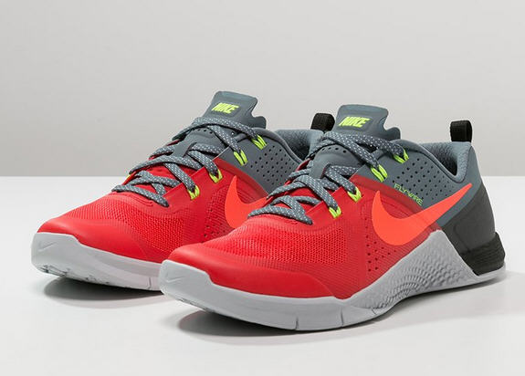 Nike Performance METCON 1 Chaussures d'entraînement et de fitness - daring red/hot lava/blue graphite