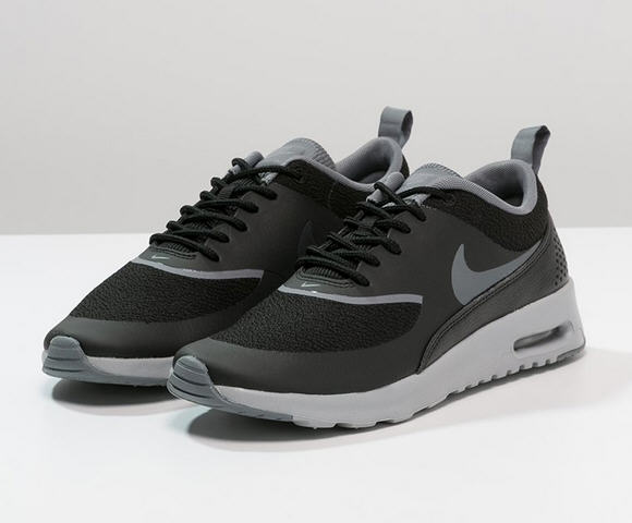 nike sportswear air max thea baskets basses black baskets. Black Bedroom Furniture Sets. Home Design Ideas