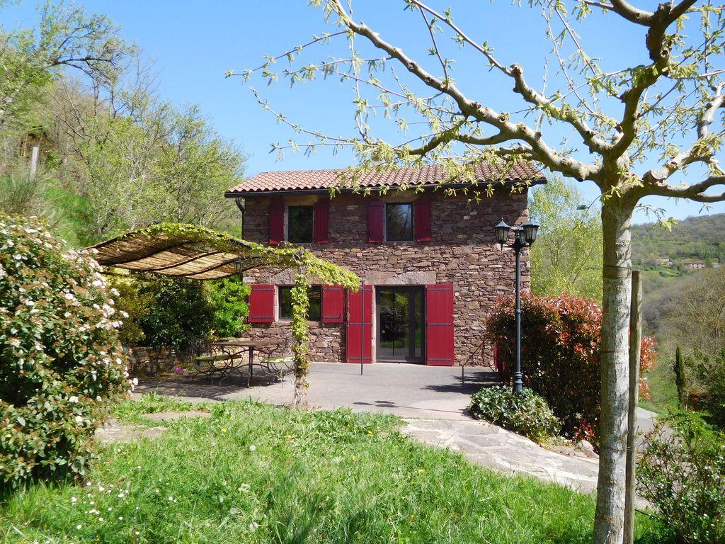Abritel Location Saint-Sever-du-Moustier - Très Belle Maison en Pierre au milieu de la Nature