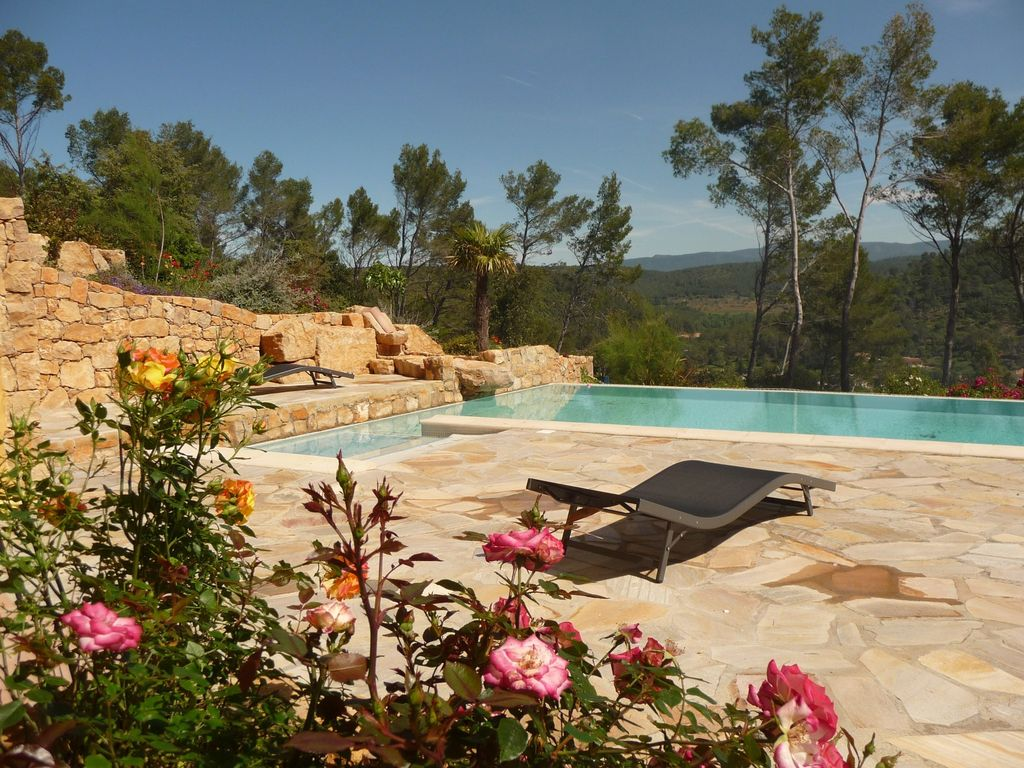Abritel Location Vacances Entrecasteaux - L' OLIVADE Grande Villa Récente avec Vue Panoramique