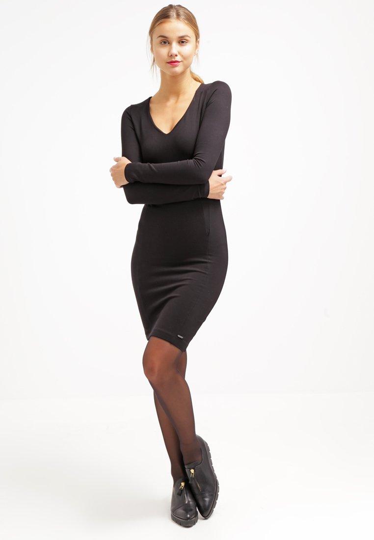 pepe jeans robe en jersey black robe femme zalando ventes pas. Black Bedroom Furniture Sets. Home Design Ideas