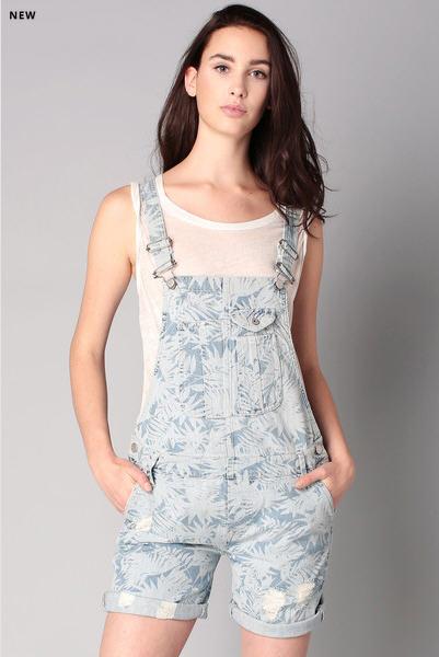 salopette short denim sugar flower pepe jeans salopette. Black Bedroom Furniture Sets. Home Design Ideas