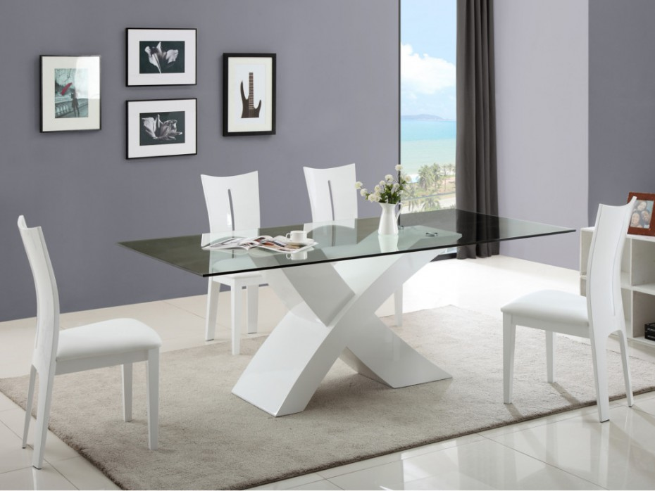 ensemble table 4 chaises hollis table vente unique. Black Bedroom Furniture Sets. Home Design Ideas